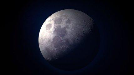 Отныне первый лунный камень можно изучать с помощью смартфона