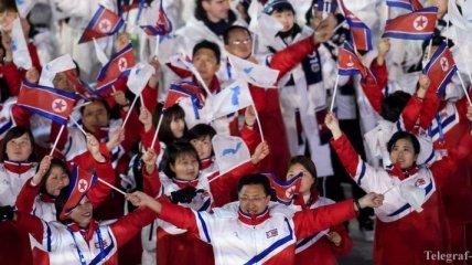 Атлеты Южной Кореи и КНДР прошли вместе на церемонии закрытия Олимпиады