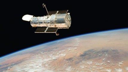 """""""Хаббл"""" показал красочные фото развалившейся кометы"""
