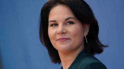 "Кандидатка у канцлери Німеччини ""№1"" потрапила в расистський скандал: подробиці"