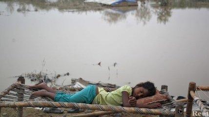 В результате наводнений в Индии погибли более 550 человек