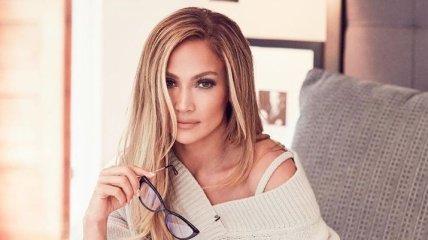 Певица Дженнифер Лопес продемонстрировала стильный look (Фото)
