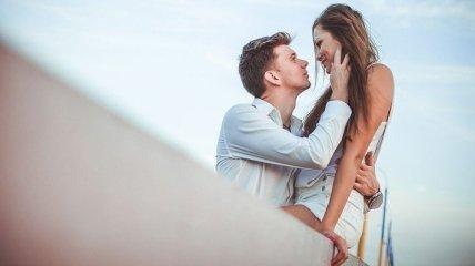 Топ-6 романтичних способів зробити пропозицію коханій вдома