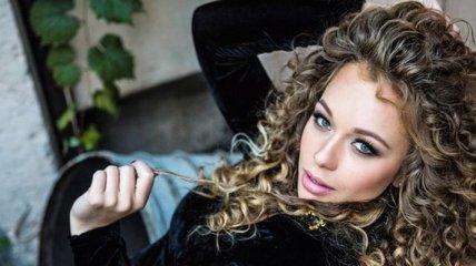 """Яна Соломко вышла в свет в кружевной """"ночнушке"""" мятного цвета"""