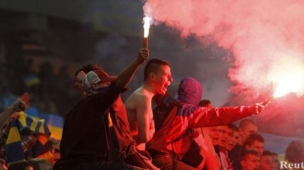 Матч Украина - Польша может пройти при пустых трибунах
