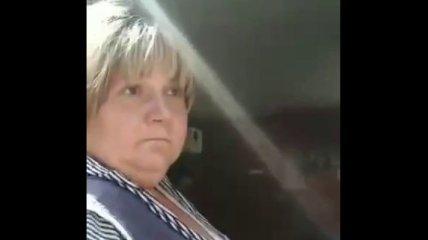 """Мовний скандал в Харкові: продавщицю, що послала клієнтку """"в п**ду"""", звільнили"""