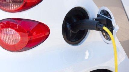 """""""Жидкие аккумуляторы"""" позволят заряжать электромобили за считанные минуты"""