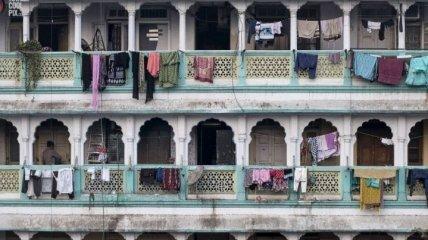 Как в муравейнике: жилые дома многолюдного Мумбая (Фото)