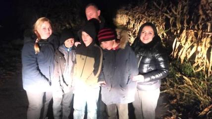 Мальчиков нашли в кукурузном поле еще затемно.