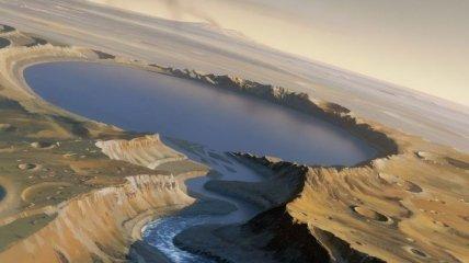 Обнаружены доказательства существования водного резервуара на Марсе