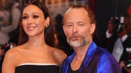 Лидер Radiohead Том Йорк женился на итальянской актрисе: свадебные фото