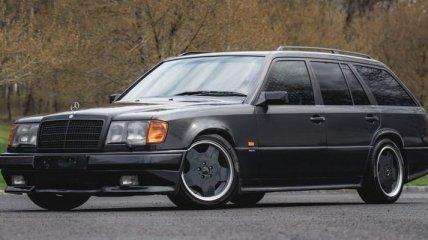 Выставлен на продажу Mercedes-Benz 300TE из прошлого века
