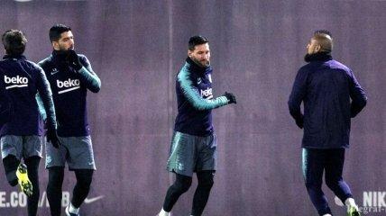 Блестящий гол Месси на тренировке Барселоны (Видео)