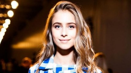 15-летняя внучка Ротару нарядилась в откровенное платье