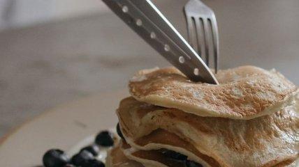 Можно смело добавлять себе на завтрак: диетолог рассказал, как приготовить несладкие гречневые блины