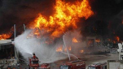У порту Бейрута знову спалахнула сильна пожежа: відео
