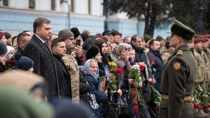 Зеленский почтил память защитников Донецкого аэропорта (Фото)