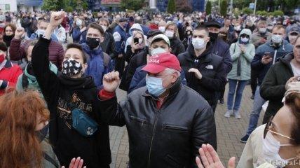 Президентские выборы в Беларуси: тысячи людей вышли в поддержку оппозиционных кандидатов