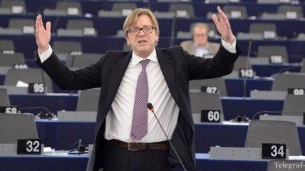 Глава фракции Европарламента призвал ЕС ввести санкции против России
