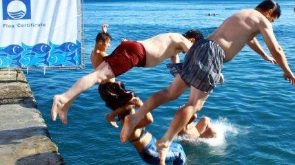 В Ялте пройдет чемпионат по прыжкам в воду в семейных трусах