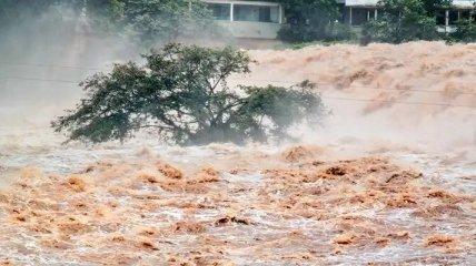 Более 40 человек погибли и около 150 пропали без вести из-за наводнения в Афганистане (фото, видео)