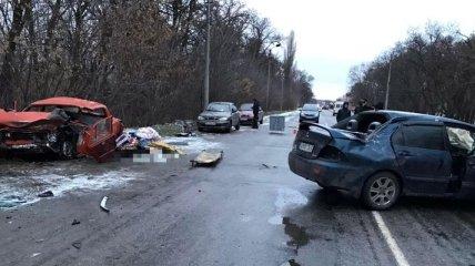Смертельная авария на Днепропетровщине: два авто столкнулись лоб в лоб