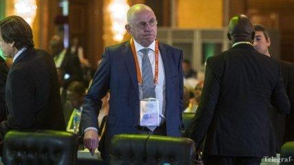 Ван Прааг и Фигу сняли свои кандидатуры с выборов президента ФИФА