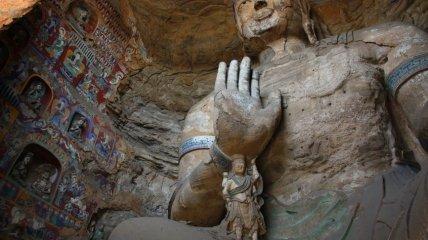 Самый крупный буддийский пещерный монастырь (Фото)
