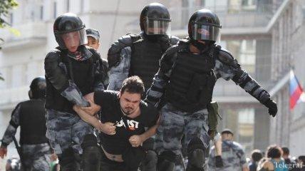 ЕС обеспокоился нарушениями прав человека на митинге в Москве