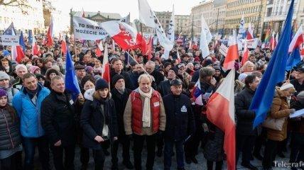 В разных городах Польши прошли митинги в защиту свободы слова и СМИ