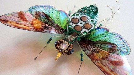 Потрясающе: крылатые насекомые из старых электросхем (Фото)
