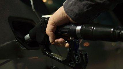 Владельцы авто в Украине стали меньше заправляться бензином