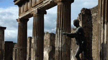 Смягчение карантина: Италия открыла Помпеи для туристов