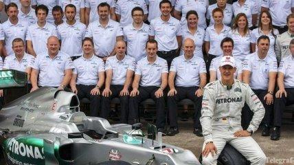 Mercedes AMG сильно переживает за Шумахера