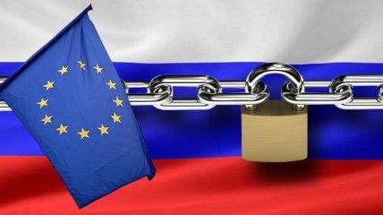 """""""Мы все-таки надеемся..."""": у Путина оценили грядущий ответ ЕС за преследование Навального в России"""