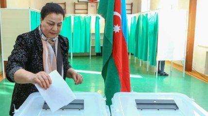 Внеочередные выборы в Азербайджане: ЦИК зарегистрировала рекордное количество кандидатов