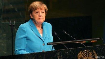 Офис Меркель закрыли из-за угрозы минирования