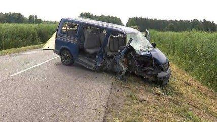 Трое в критическом состоянии: автобус с украинцами попал в серьезную аварию в Польше (фото)