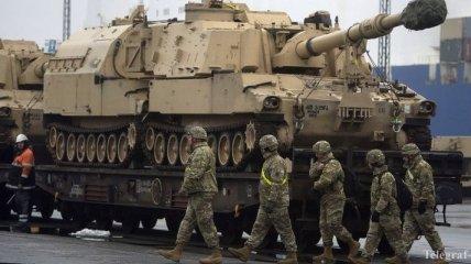США перебросят в Польшу тысячу военных с техникой