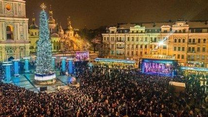 Президент пригласил всех верующих на Софийскую площадь