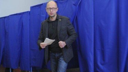 Как Премьер голосовал на местных выборах (Фото)