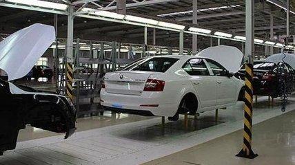 В Украине производство автомобилей упало в два раза
