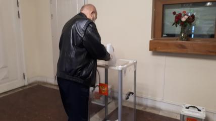 В Украине отрыли избирательные участки для выборов депутатов в Госдуму РФ