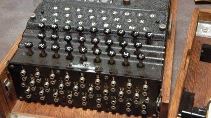 """Шифровальный аппарат """"Enigma"""" продали за 365 тысяч долларов"""