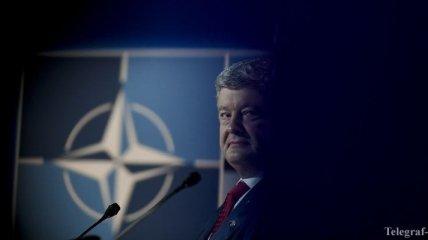Порошенко призывает к реакции на риск неприглашения Зеленского в НАТО
