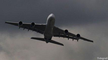 """Самолет """"Аэрофлота"""" экстренно сел через анонимный звонок"""
