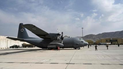 Последний самолет американских сил покинул Афганистан