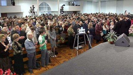 Адвентисты 7-го дня пожаловались на избиение в Мариуполе