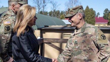 Сенатор США посетила штаб-квартиру бригады Объединенной многонациональной группы
