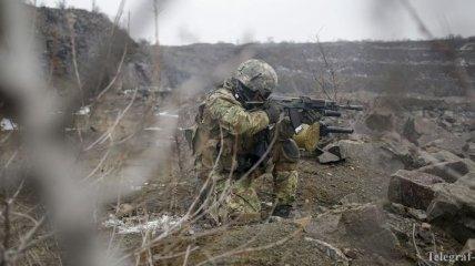 В зоне АТО украинского военного ранил снайпер
